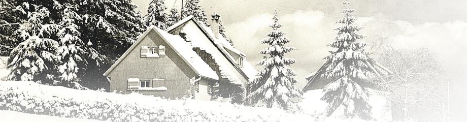 Kniebishaus des SWS im winterlichen Schwarzwald
